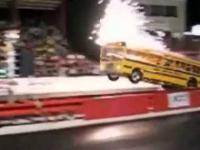 Wściekły szkolny autobus
