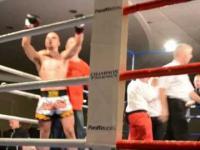 Szybka walka Polaka w Irlandi o pas mistrzowski Irlandi w k1. TKO