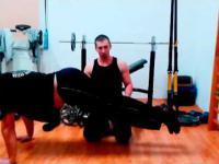 Siłownia - Mięśnie brzucha. Pierwszy kontakt.