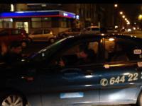 Zadzwoń, wiesz, że nie mogę - walka z taxi w centrum Warszawy