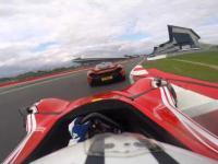 Kozacki pojedynek na torze - McLaren P1