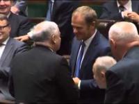 Tusk i Kaczyński uścisnęli sobie dłonie 01-10-2014