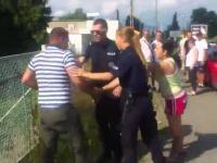 Policja agresywnie i nieudolnie zatrzymuje rowerzystę