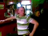 Dowcip w barze