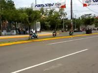 Niesamowite szczęście dziecka podczas motocyklowego rajdu