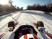 Tak się jeździ na pętli pónocnej Nurburgring bolidem po śniegu!