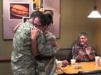 Reakcja żony na powrót żołnierza do domu