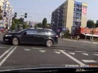 Gestykulująca dama za kierownicą Katowice