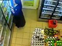 Zakonnica kradnie piwo w sklepie