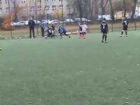 Jak rodzice motywują przyszłe gwiazdy piłki nożnej na meczu dziewięciolatków