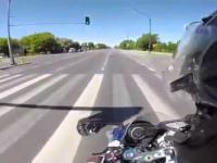 Wyscig motocyklista vs. policja