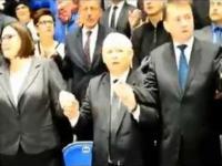 Kaczyński i reszta z PIS'u śpiewa na urodzinach Radia Maryja