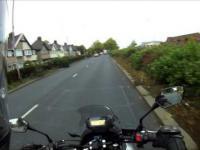 Spoliczkowany motocyklista