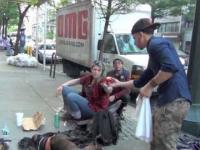 Jak sprawić uśmiech na twarzy bezdomnego?
