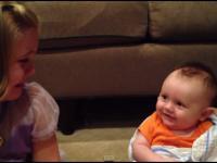 5 letnia dziewczyna załamana faktem że jej brat kiedyś będzie musiał dorosnąć