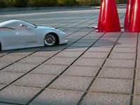 Drift samochodem zabawką