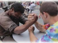 Nawet bezdomni potrafią podzielić się z drugą osobą