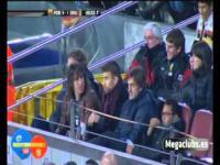 Piqué Puyol i polski dres na stadionie
