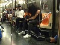 Nawiedzony rockman w metrze