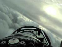 Myśliwce nad chmurami