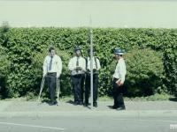 4 facetów kontra znak drogowy