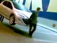 Tak się teraz kradnie samochody w Rosji