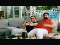 Siara ogląda reklamę Media Expert