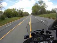 Pościg policyjny na motorze nakręcony kamerą CONTOUR