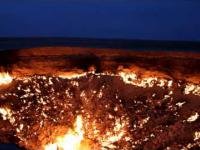 Gazowy krater, pali sie juz ponad 40 lat non stop.