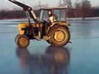 Ursus C-330 Drift na lodowisku