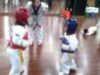 taekwondo w wykonaniu pięciolatków