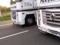 Tiry blokujące pas ruchu, S3, obwodnica Parłówka