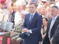 Prezydent Duda ratuje hostię