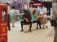 Jedzenie Majonezu w miejscach publicznych - Majewa