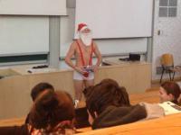 Święty Mikołaj w samych gaciach