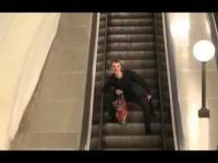 Ruchome schody i Rosjanin