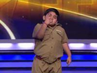 Tłuściutki dzieciak tańczy w Mam Talent
