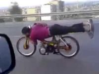 Motocykl o napędzie odrzutowym