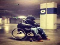 Pierwszy polski raper na wózku inwalidzkim nawija o polsce
