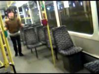 Testowały wytrzymałość rur w tramwaju, do wymiany !