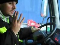 Wesoły kierowca tira