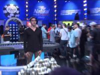 Reakcja gracza po wygraniu 15 milionów dolarów w pokera