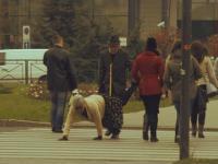 Śmieszne rzeczy na przejściu dla pieszych