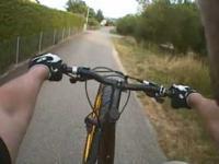 Ponad 3 kilometrowy wheelie na rowerze górskim