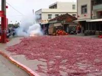 Tysiące petard odpalonych jednocześnie