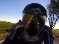 Jazda motocyklem sportowym (GoPro HD)