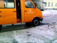 Innowacyjny sposób łatania dziur w asfalcie - oto Polska