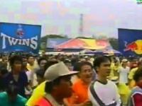 Wybuchające balony zatrzymują mecz bokserski w Tajlandii