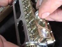 Miniaturowy silnik V-12