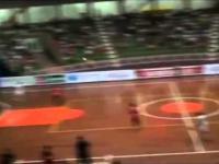 Piękny gol Falcao najlepszego zawodnika futsal w świecie
